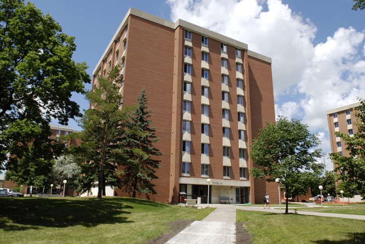 outside view of thompson hall