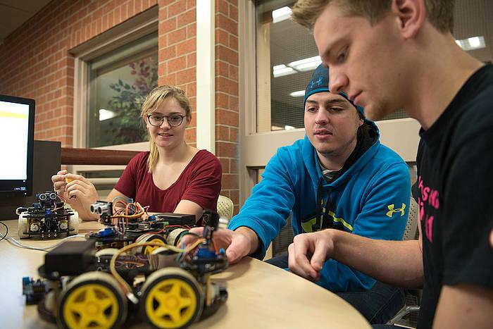 Ndsu Graduation 2020.Ndsu To Offer Robotics Minor Ndsu News Ndsu