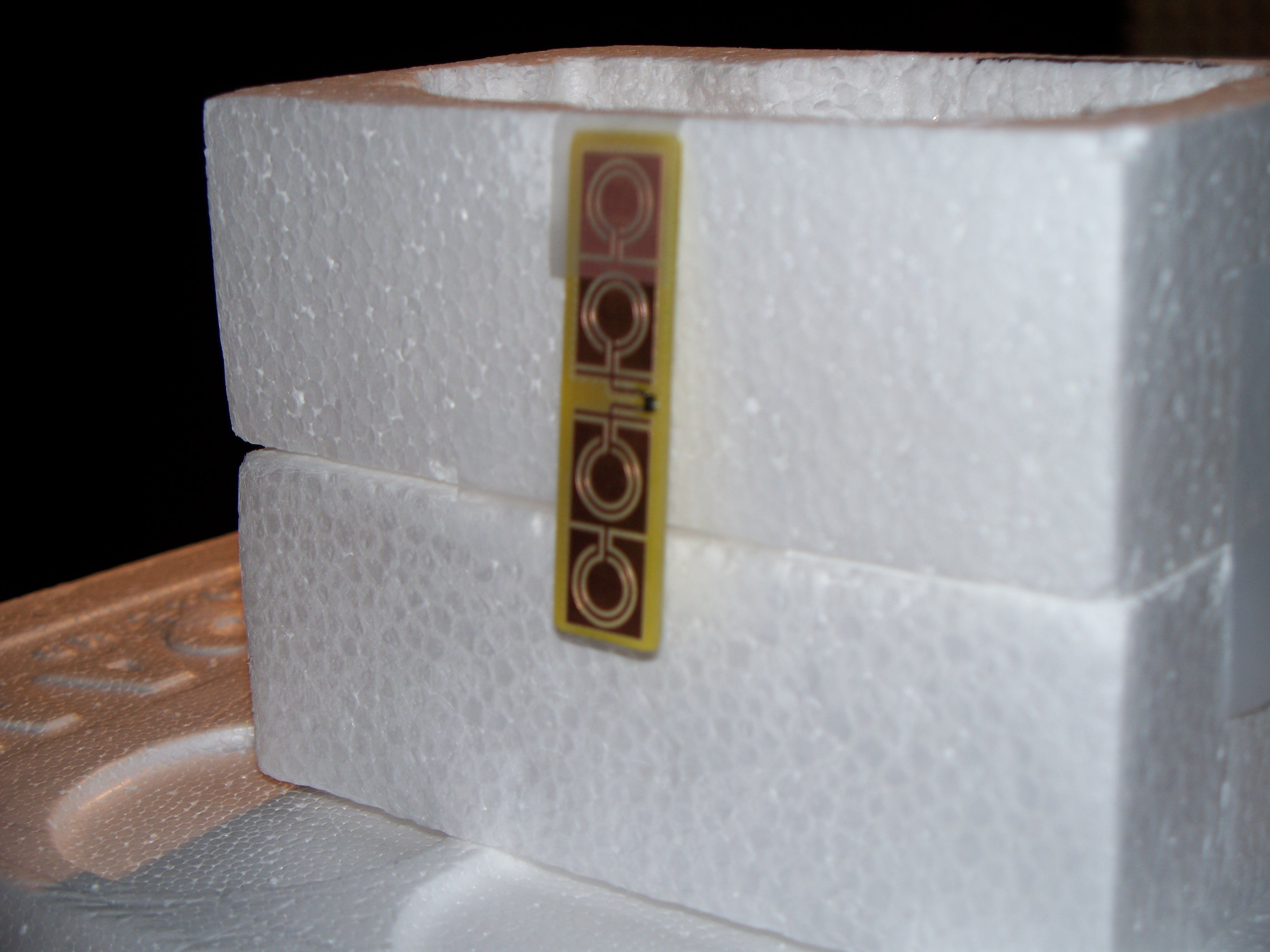 Electrically Small Microstrip Patch Antenna