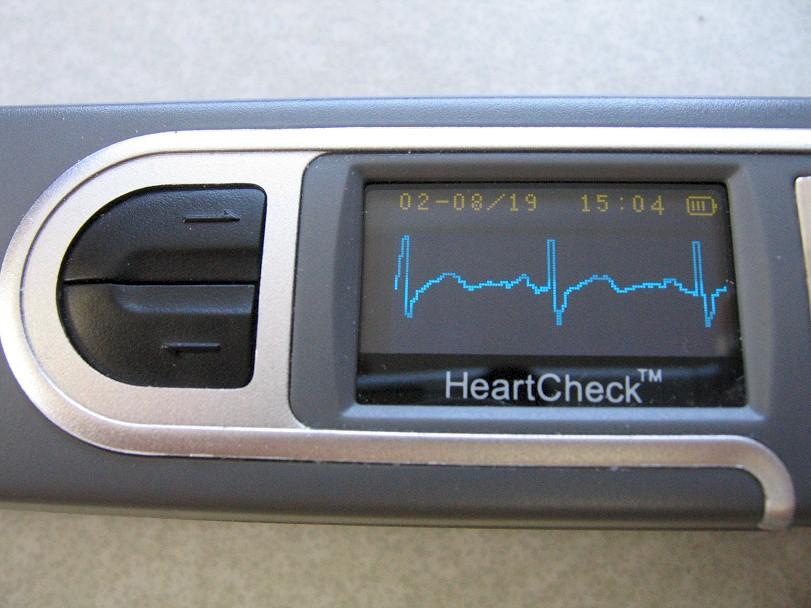 comparative-handheld-heartcheckpen-3.jpg (124570 bytes)